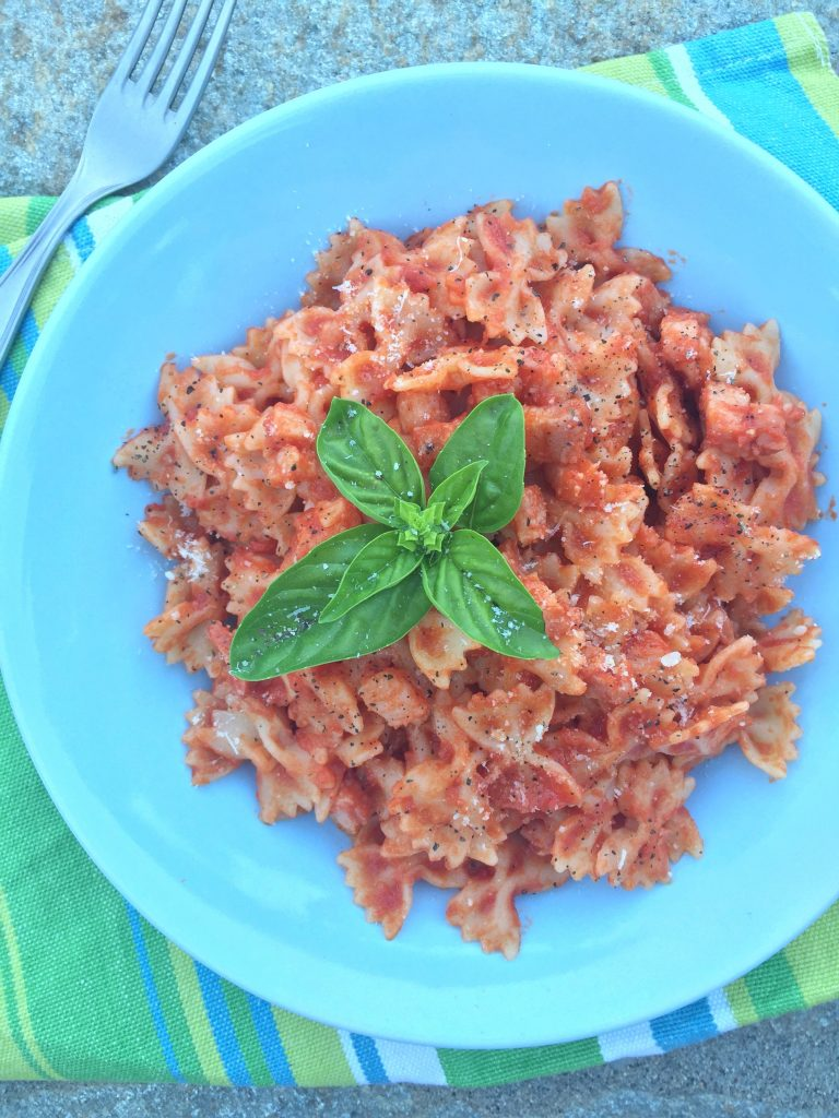 Pasta With Pancetta and Tomato Sauce